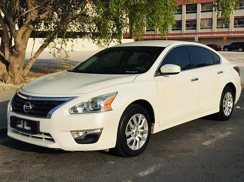 Nissan Altima 2016 white