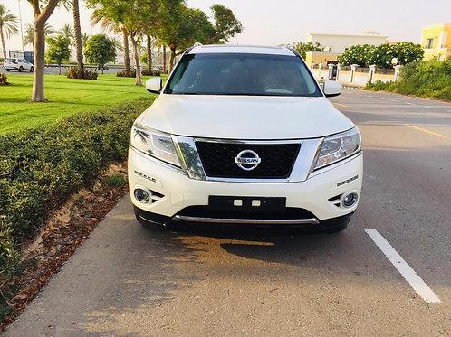 Nissan Pathfinder SV 2016 four wheel drive 7 seater