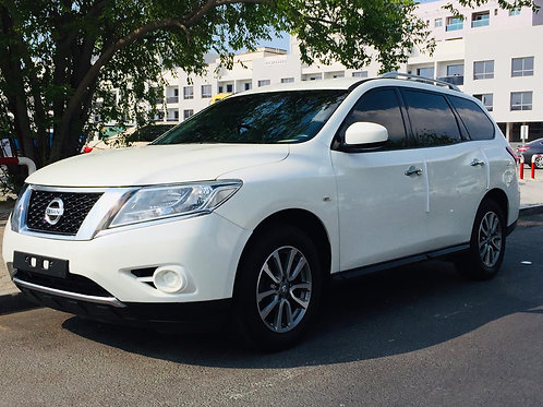 Nissan Pathfinder 2016 model without any down payments