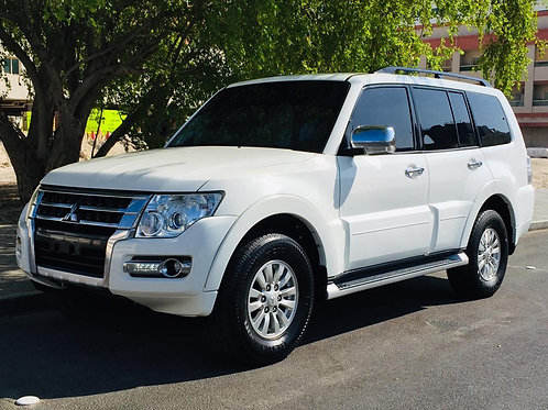 Only 755*/months for Mitsubishi Pajero 2015 fully loaded with 100% finance