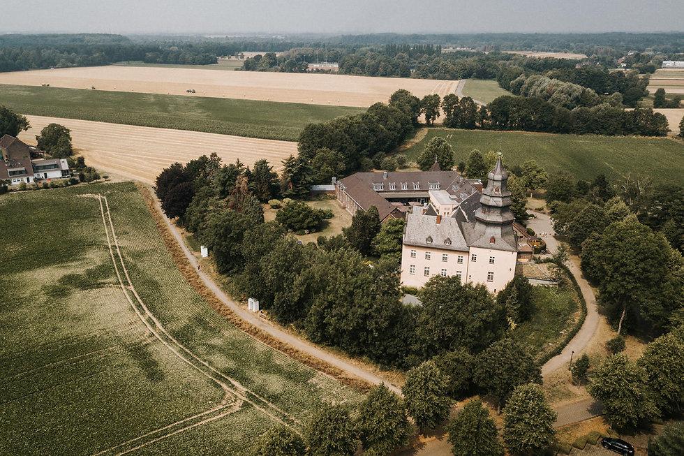 Gut-Dyckhof-Hochzeit-Meerbusch-1-von-20.