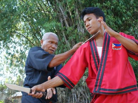 Bojové použití nože a dýky - část II.                    Různé styly, školy a systémy – Asie