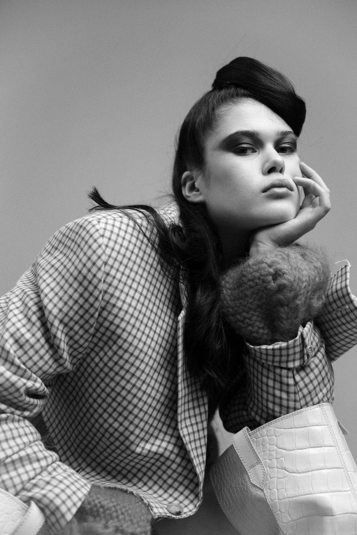 Editorial for OE Magazin -Styling by Sophie Giannoules - Hair and Make up by Sinan Bilgi - Model Ariane Ganz