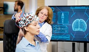 doctor-arranging-neurology-scanning-head
