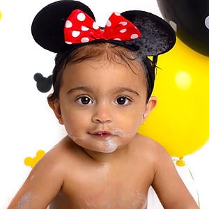 Ayesha Disney Cake Smash and Splash