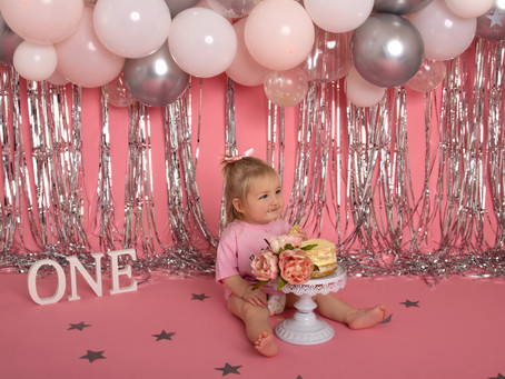What Options do you have at Panda Creative Photography? Maternity, Newborn, Sitter & Cake Smash!