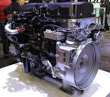 UD_Trucks_GH11_engine.jpg