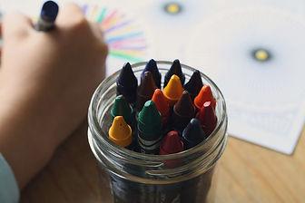 Petit bureau | pot à crayon | espace jeux enfant | création | chambre
