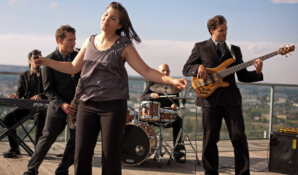 Groovecafe Band.jpg