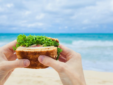 10+1 Εύκολες τροφές που μπορείς να πάρεις μαζί σου στην παραλία