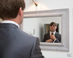 Photographe mariage Var - préparation du marié - Le Pradet