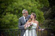 Valphotovar photographe mariage Méounes - La table du château - photo de couple
