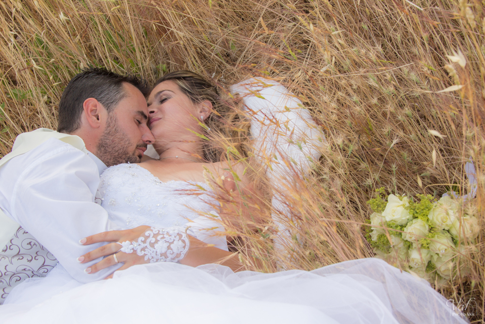 Photo mariage couple champêtre var - la navarre - la Crau