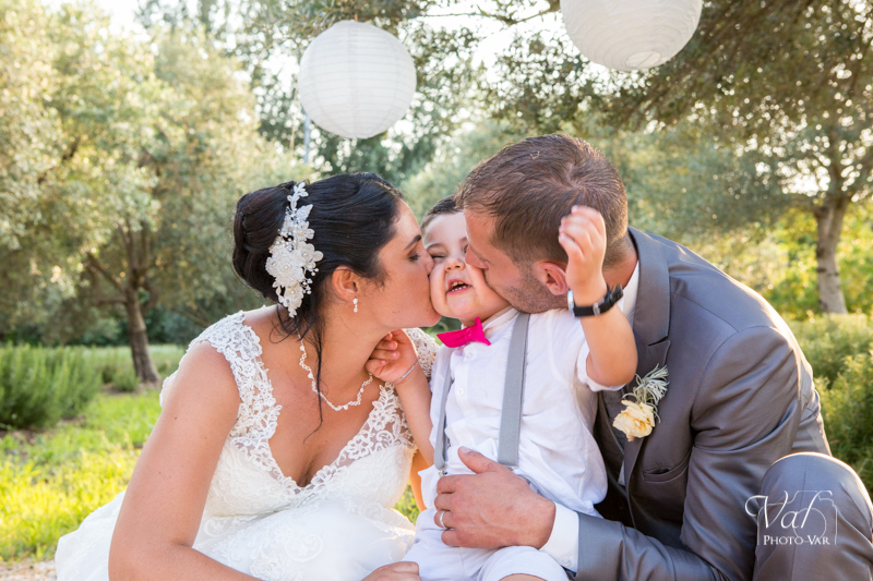 Photo de mariage - Domaine de l'Aumérade - pavillon sully - Pierrefeu du Var - photo de couple avec