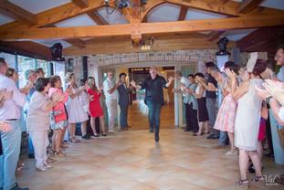 Valphotovar photographe mariage Pierrefeu - DJ Tom - Entrée des mariées - Domaine du Pourret