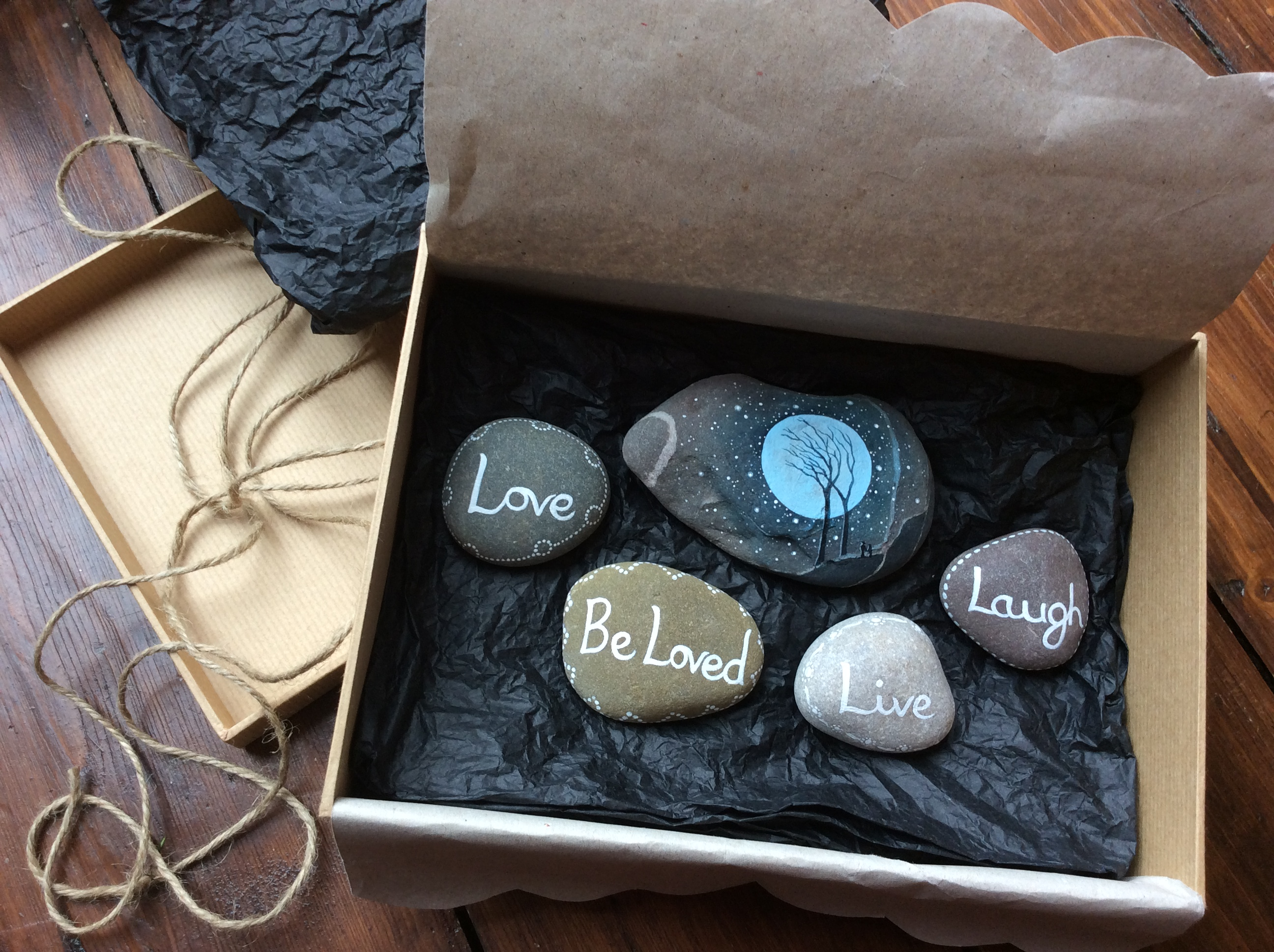 'Love, Be Loved, Live, Laugh' Stones