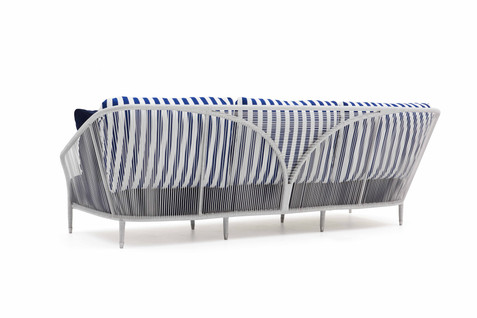 LL Wing maxi sofa detail
