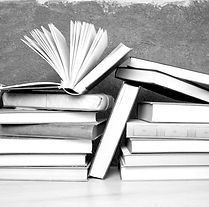 libri-universitari_edited.jpg