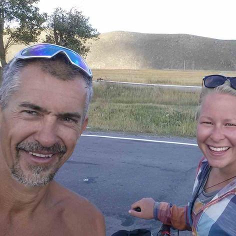 Финская девушка, уехавшая из дома более года назад без особого направления. В итоге побывала в Азии и в одиночку на велике пересекла Гималаи!