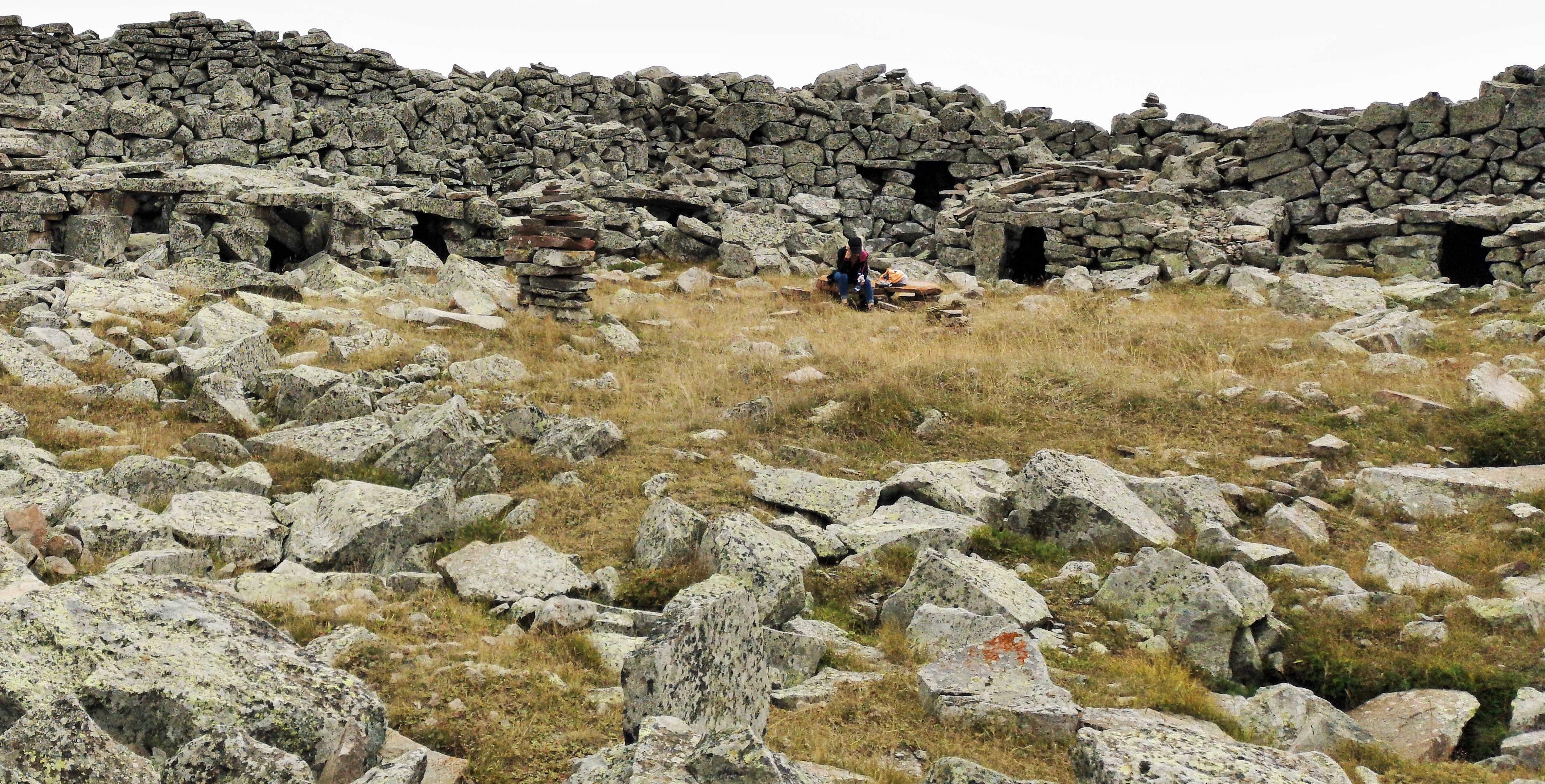 Загадочная крепость Шаори на вершине одноименной горы