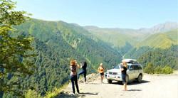 Горная дорога в Тушети. Красота такая, что ехать без остановок нет никакой возможности