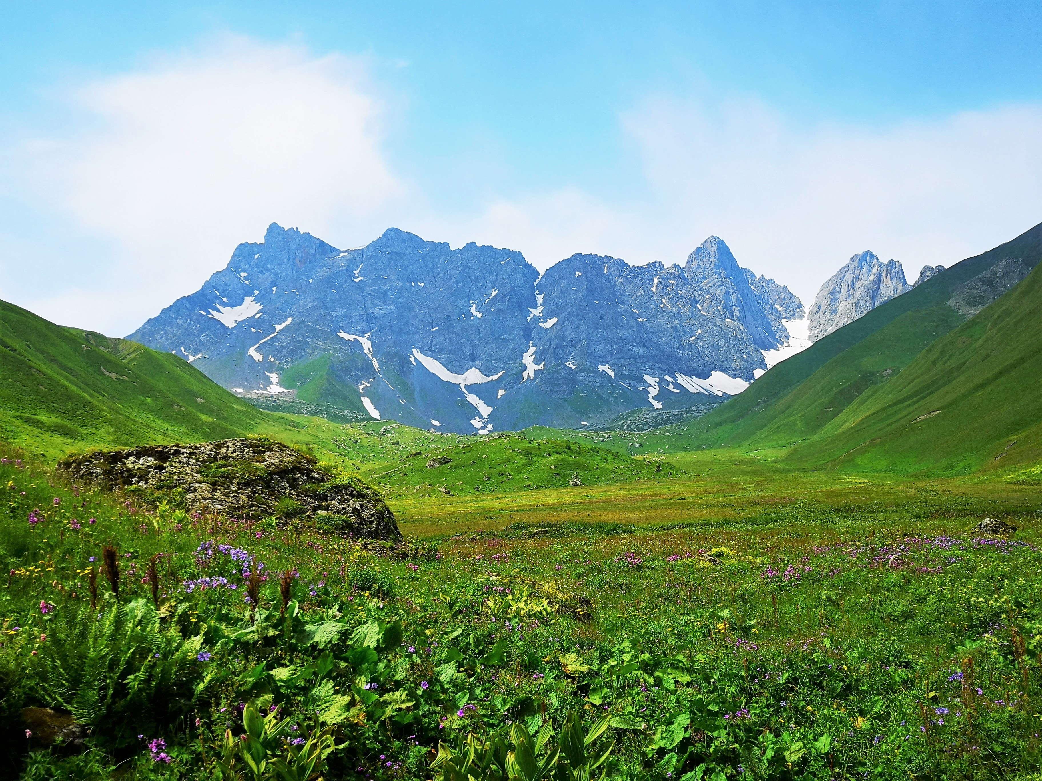 Абделаурская долина перед г.Чаухи