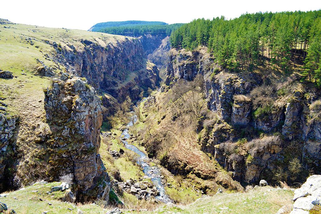Вид в каньон Дашбаши