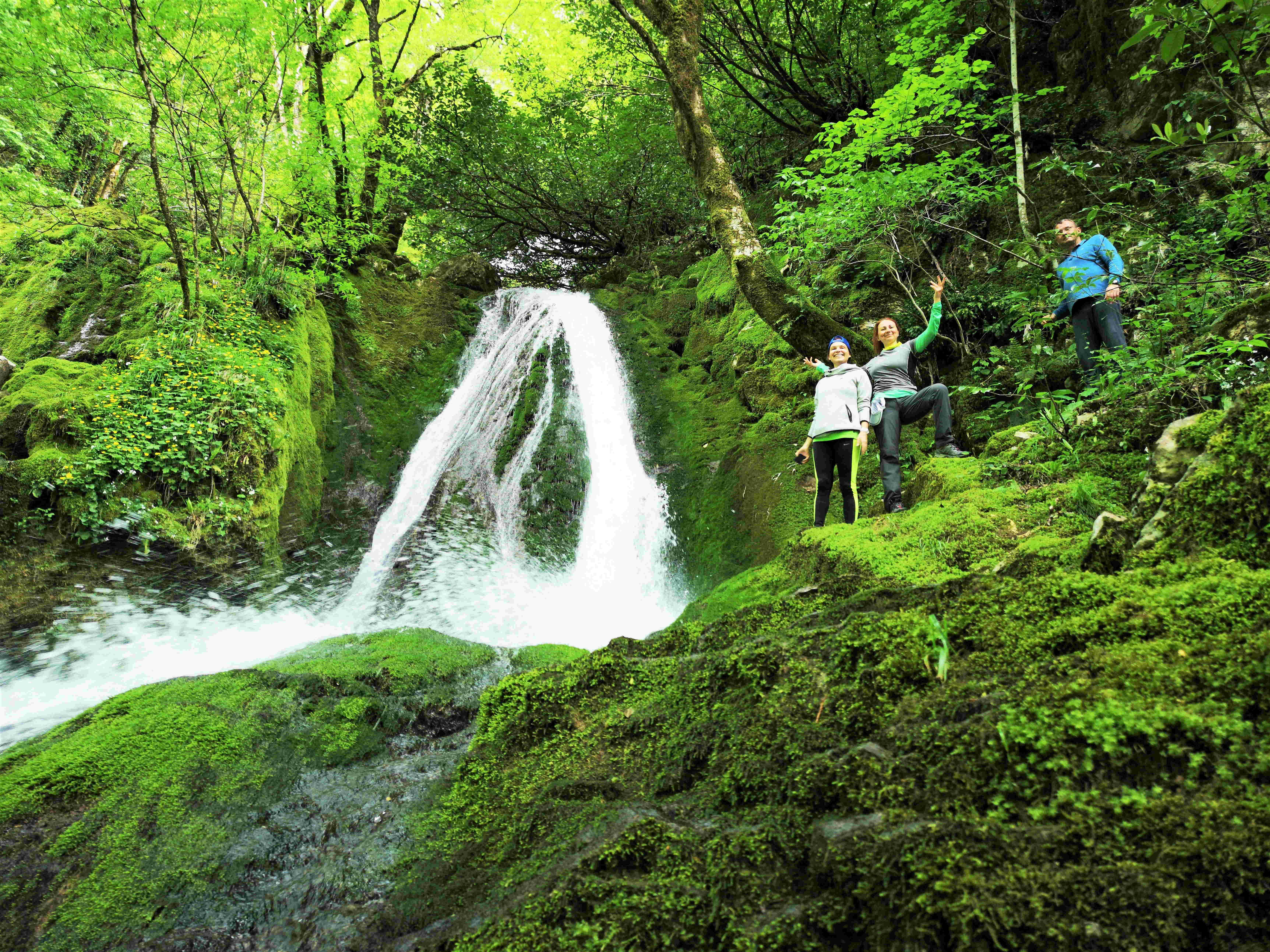 Один из промежуточных каскадов водопада Ониоре