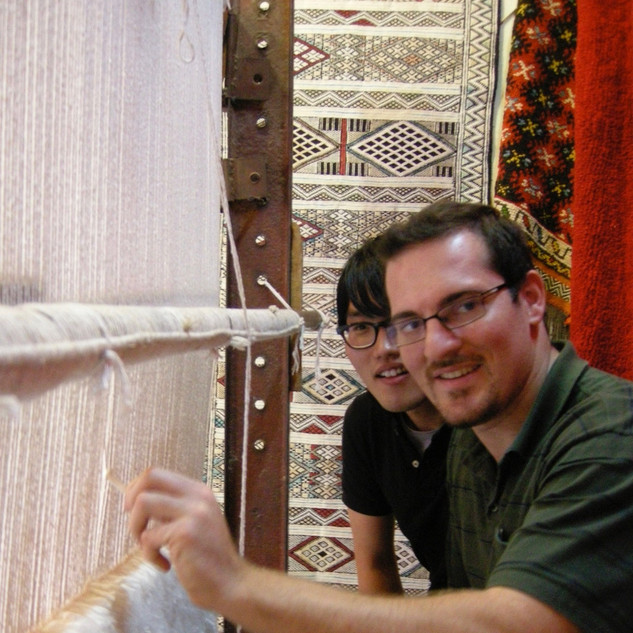 Learning to weave carpets in Marrakesh
