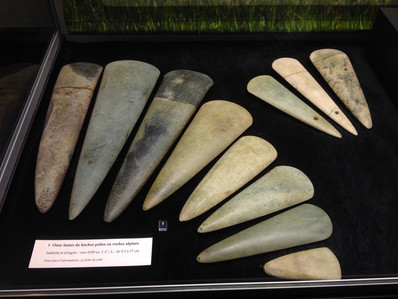 Stone axe heads from ancient Breton settlements