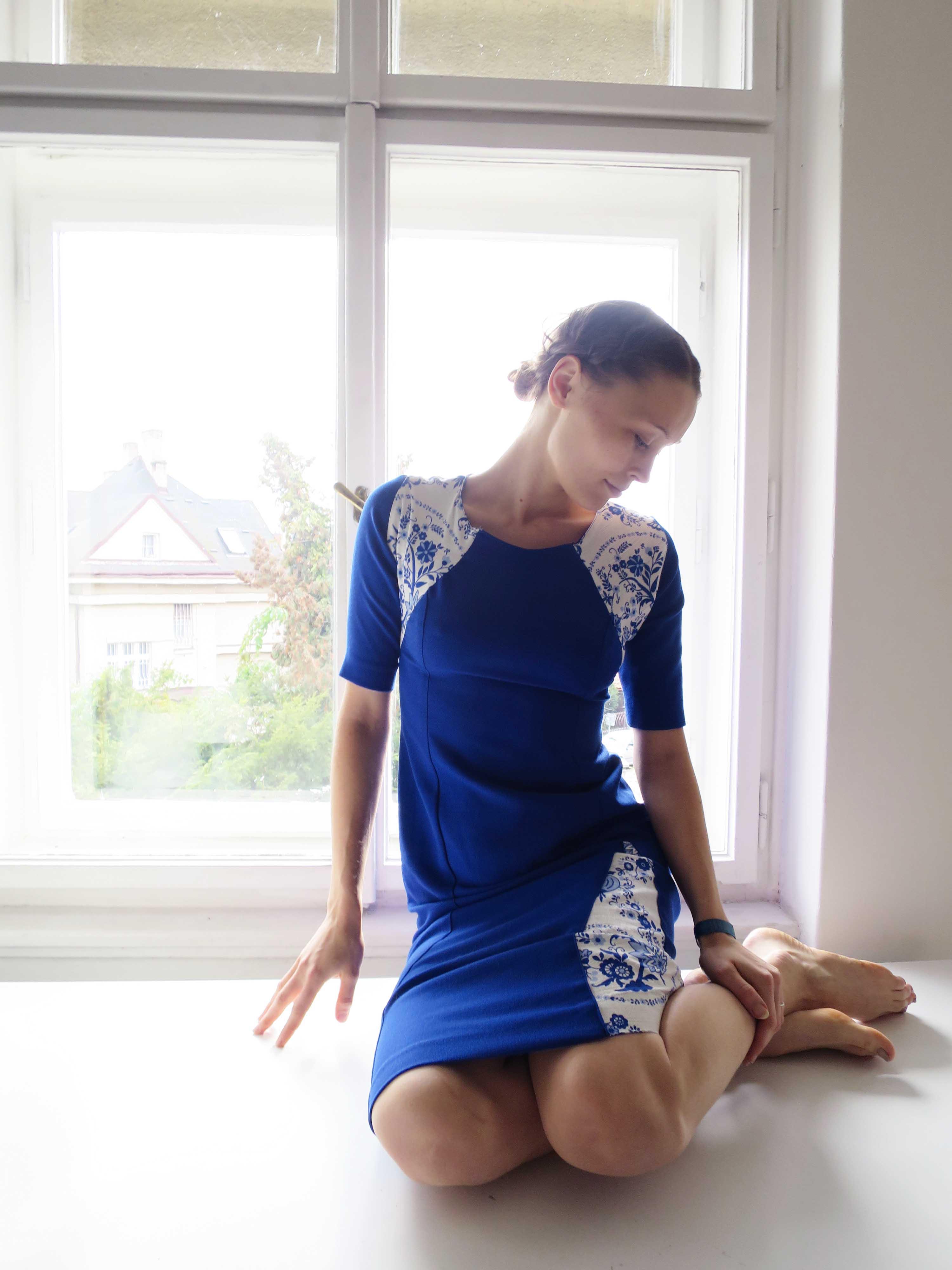 Folklórní šaty