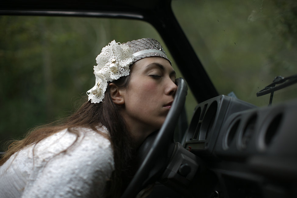 Bride Headpiece by Peri Neri.jpg