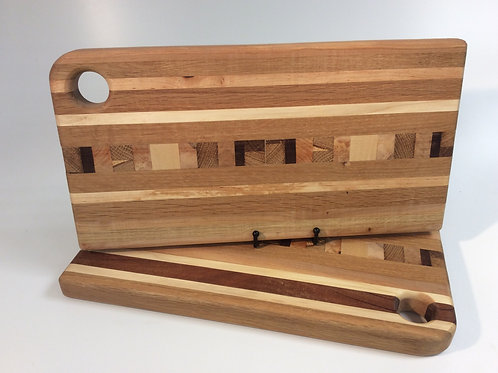 Large Striped Chopping Board with end grain detail (light)