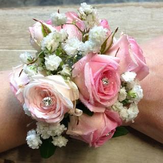 Pretty Rose Wrist Corsage