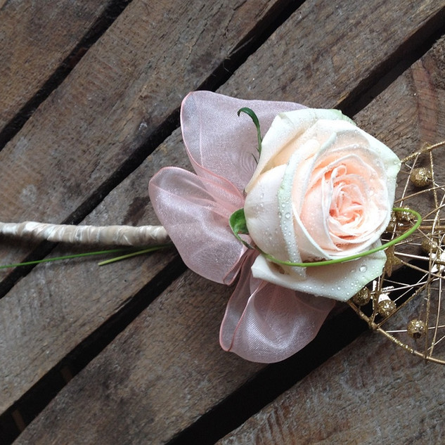 Pretty Heart and Rose Bridesmaids Wand