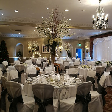 Winter Wedding Table Centre