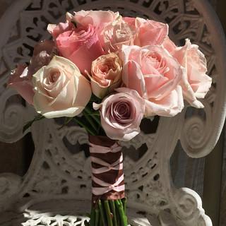 Brides's Rose Wedding Bouquet