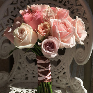 Brides's Rose Wedding Bouquet