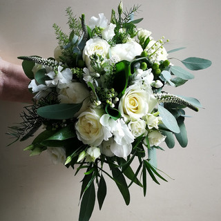 Designed and photographed by Flower Design of Ripon, North Yorkshire.