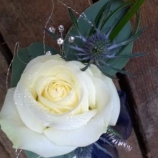 Pretty Rose Corsage