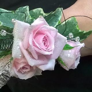 Gorgeous Rose Wrist Corsage