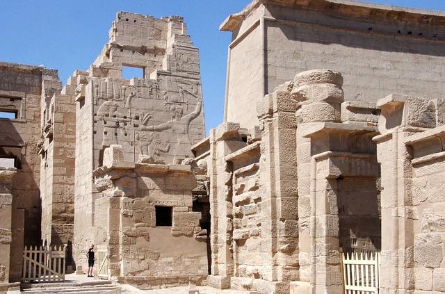 Medinet Habu Luxor