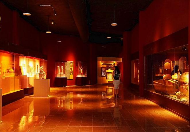 hurghada%20museum%201_edited.jpg