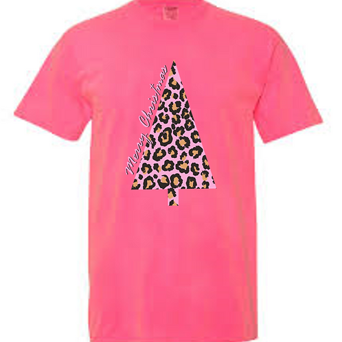 259-MB Leopard Christmas Tee-Comfort Colors-Hot Pink