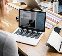business-people-working-with-laptop_5387