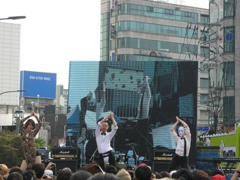 IMG_0545.JPGKorean Queer Artist Heezy Yang at Seoul Queer Culture Festival aka Seoul Pride