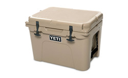 Yeti tundra 35 tan closed2