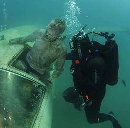 06 Muerto bajo el agua(1).jpg