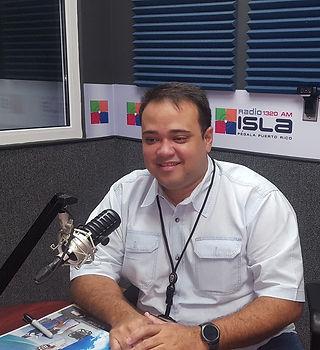 Fernnado Radio Isla 2.jpg