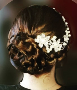 Country chic bride. Bridal braid.